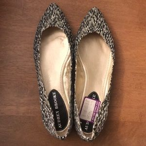Audrey Brooke Multi-colored Pointy Toe Flats